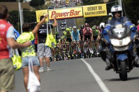 Tour de France: Comment font les coureurs pour ingurgiter 8.000 kilocalories le jour d'une étape de montagne ?