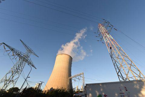 """Des experts plaident pour prolonger le nucléaire et moins favoriser le renouvelable en Belgique: """"On va vers le chaos"""""""