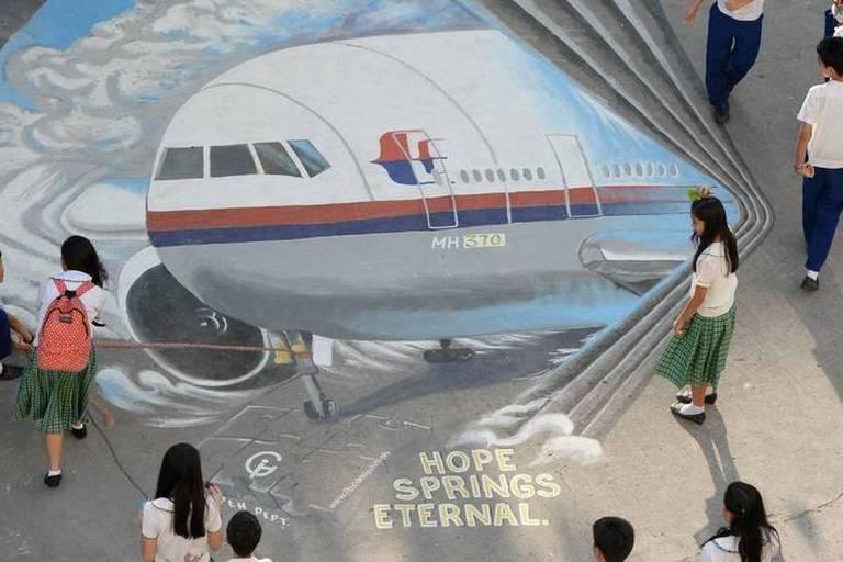 MH370: un débris d'aile trouvé à Maurice provient du Boeing disparu de Malaysia Airlines