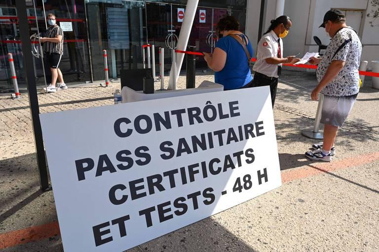 France: des assouplissements annoncés pour le pass sanitaire