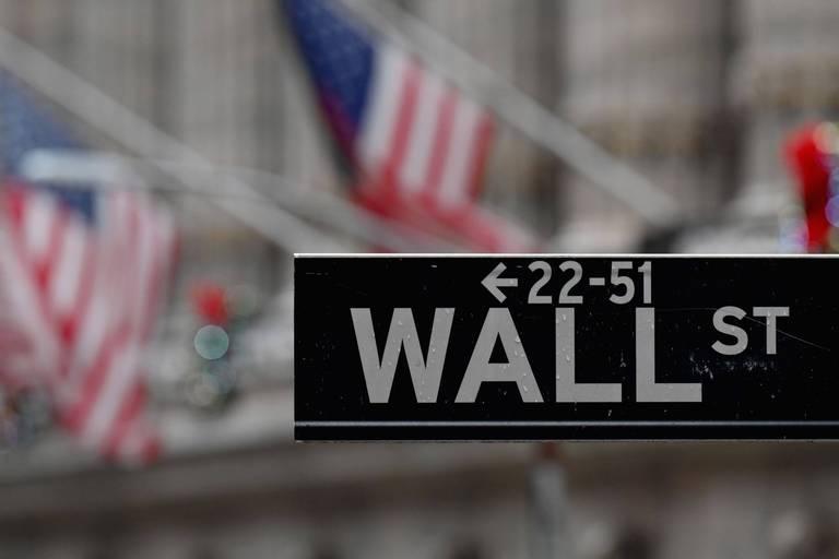 Wall Street poursuit sa progression, flottant à des niveaux historiques
