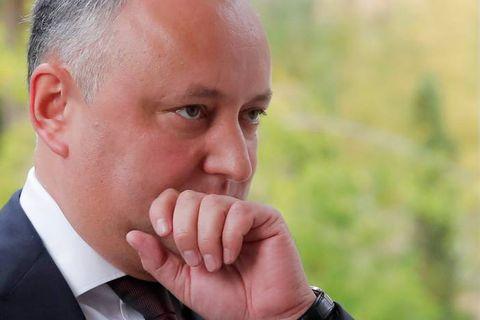Moldavie: la Cour constitutionnelle suspend temporairement les pouvoirs du président