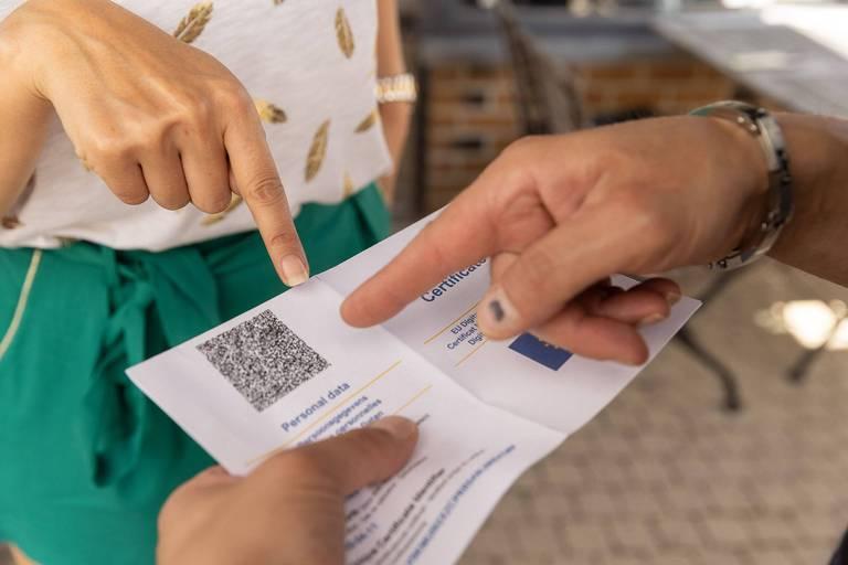 DéFI veut plus de garanties et de transparence dans la mise en œuvre du Covid Safe Ticket à Bruxelles
