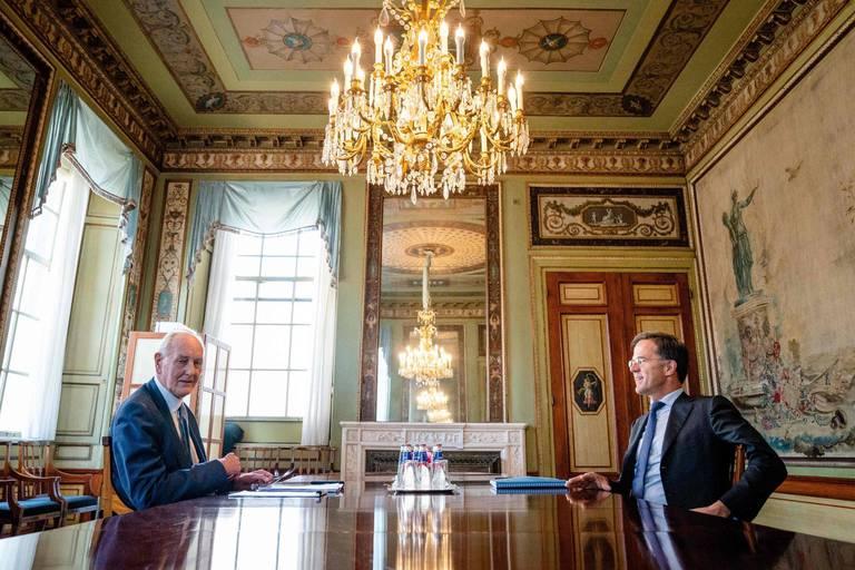 Négociations politiques aux Pays-Bas: une coalition minoritaire envisagée