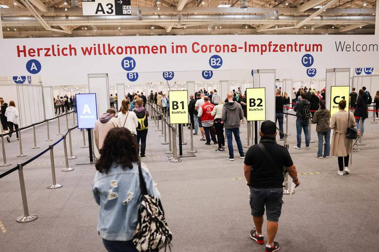 Une infirmière allemande accusée d'avoir échangé des vaccins contre de la solution saline, plus de 8000 personnes concernées