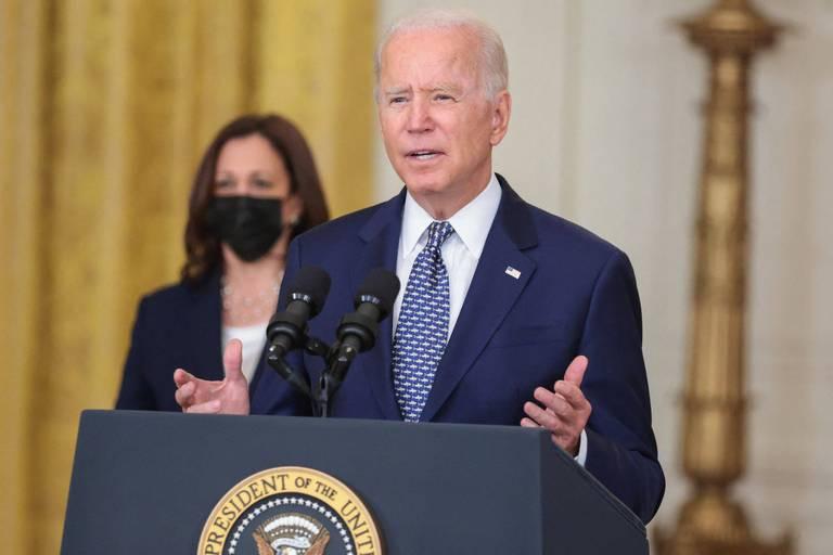 """Biden dit """"ne pas regretter"""" sa décision de retirer les troupes américaines"""