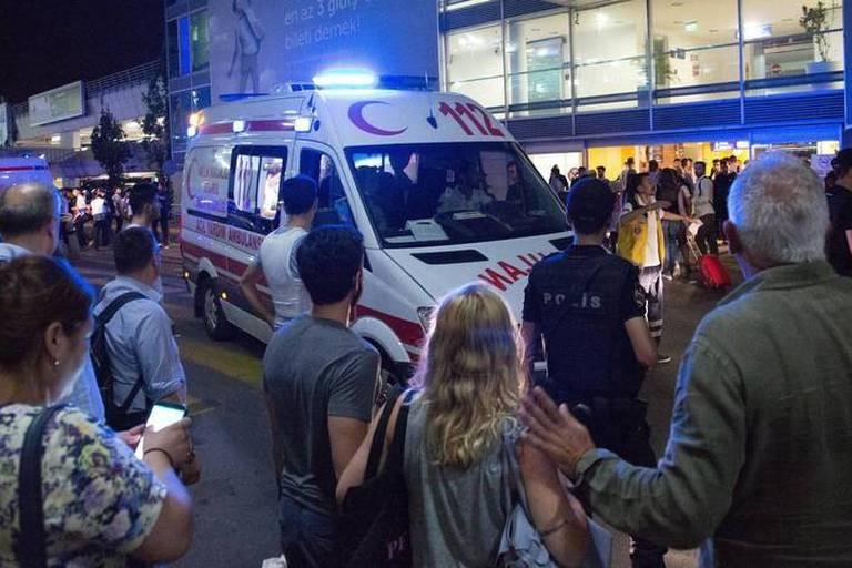 Attentat à l'aéroport d'Istanbul: 2 membres présumés de l'EI arrêtés