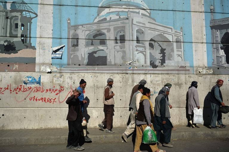 """Les talibans ont de nouveau promis de laisser """"partir librement"""" les Afghans, selon les USA"""