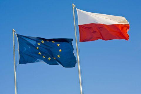"""Etat de droit: malgré l'""""ingérence"""" de l'UE, la Pologne ne quittera pas l'Union"""