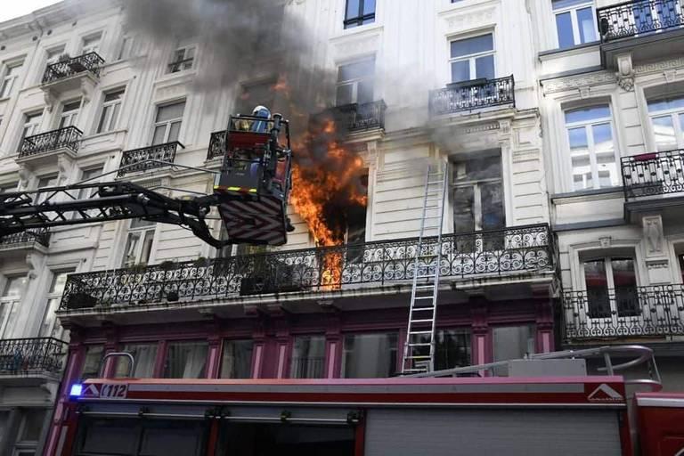 Bruxelles : Huit blessés dans un incendie rue de l'Enseignement
