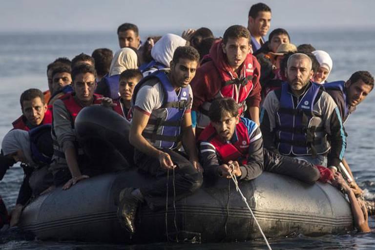 Crise des migrants - Manifestation à Athènes de maires d'îles grecques en proie à la surpopulation