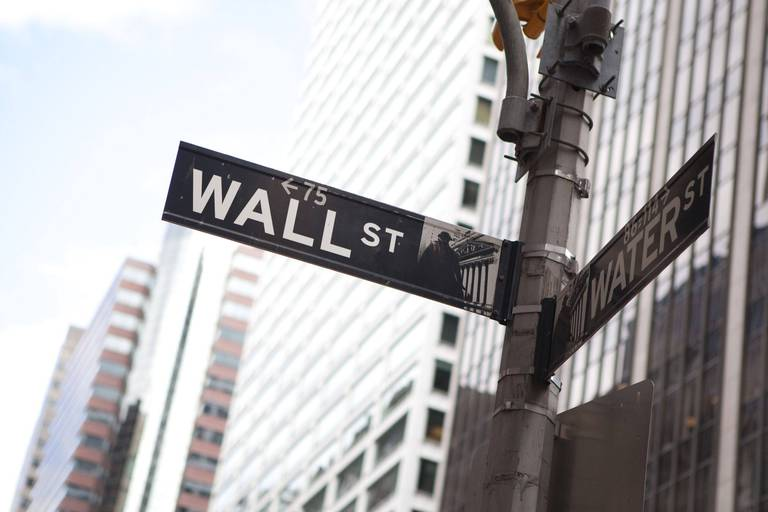 La Bourse de New York ouvre dans l'indécision