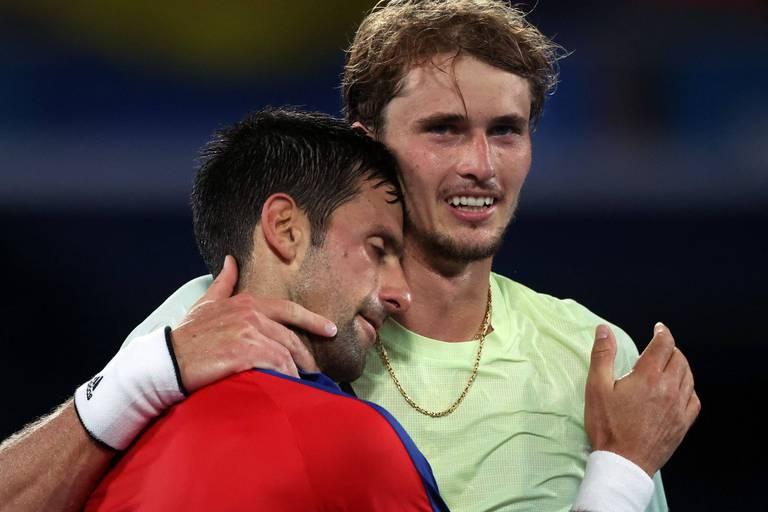 """Zverev brise le rêve de Djokovic: """"Je m'excuse…"""""""