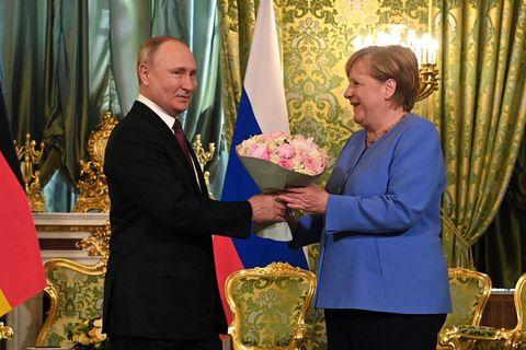 """Il faut empêcher """"l'effondrement"""" de l'Afghanistan, estime Poutine"""