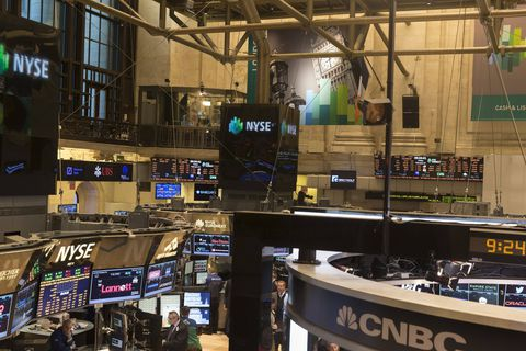 Wall Street ouvre en baisse, réalisant que la Fed pourrait réduire son soutien