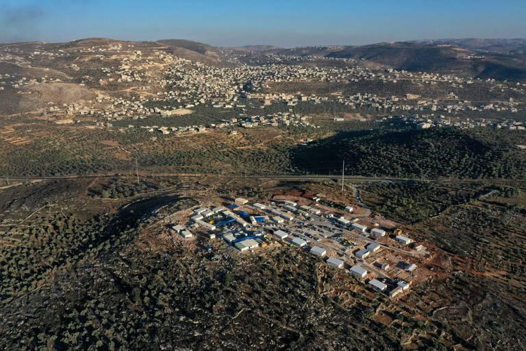 """Le """"poste avancé"""", ou colonie """"sauvage"""" d'Evyatar sur l'une des collines surplombant la bourgade de Beita, près de Naplouse, dans le nord de la Cisjordanie."""