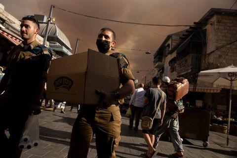 Des maisons près de Jérusalem évacuées suite à un immense incendie