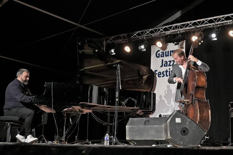 Trio d'Éric Legnini, piano, avec Thomas Bramerie, contrebasse et Rocky Gresset, guitare