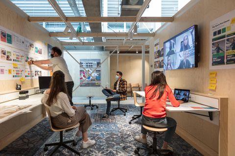 """Au cœur du nouveau bâtiment : neuf """"project rooms""""."""