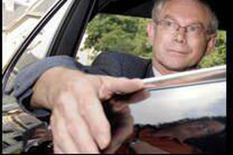 """Le """"sphinx"""" Herman Van Rompuy attend son heure"""