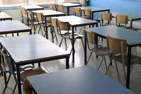 """""""Quel critère absurde"""": Laurent et Caroline s'insurgent car leur enfant qui doit entrer en secondaire n'a toujours pas d'école"""