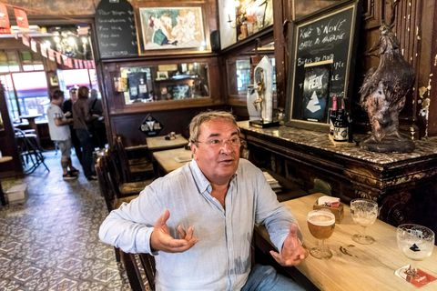 À la taverne Saint-Paul à Liège, rires et bière sont au menu depuis 140 ans