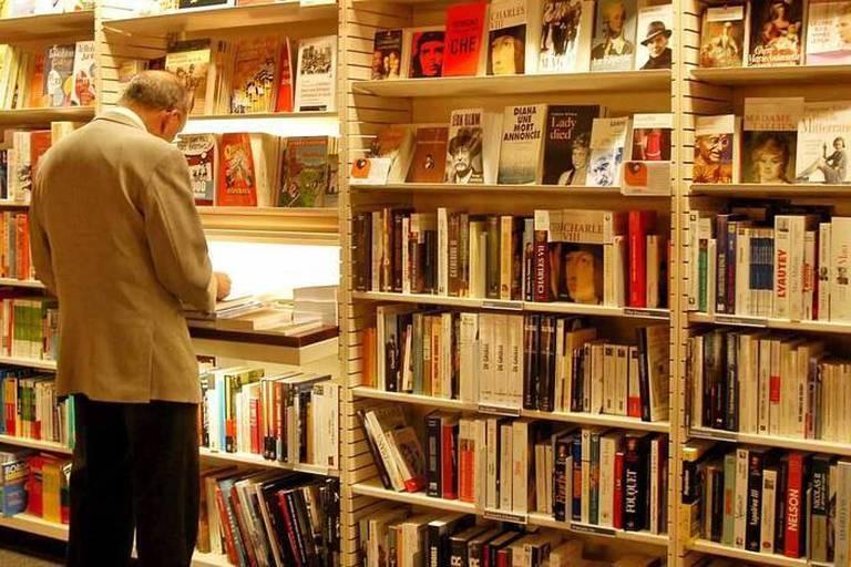 """""""Lire"""" ou les critiques littéraires de La Libre"""