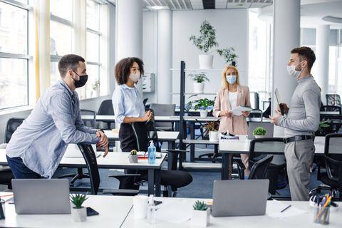 Coronavirus: la moitié des clusters se produisent sur les lieux de travail