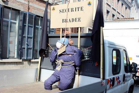 Mons: la Protection civile en colère est descendue dans la rue
