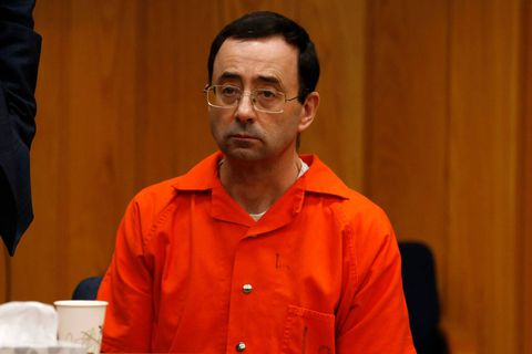 L'agresseur de Simone Biles et de dizaines d'autres gymnastes a dépensé plus de 10.000 dollars en prison contre 300 pour ses victimes