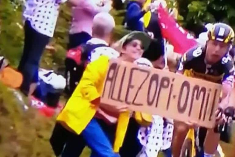 Les organisateurs du Tour de France retirent leur plainte à l'encontre de la spectatrice à la pancarte