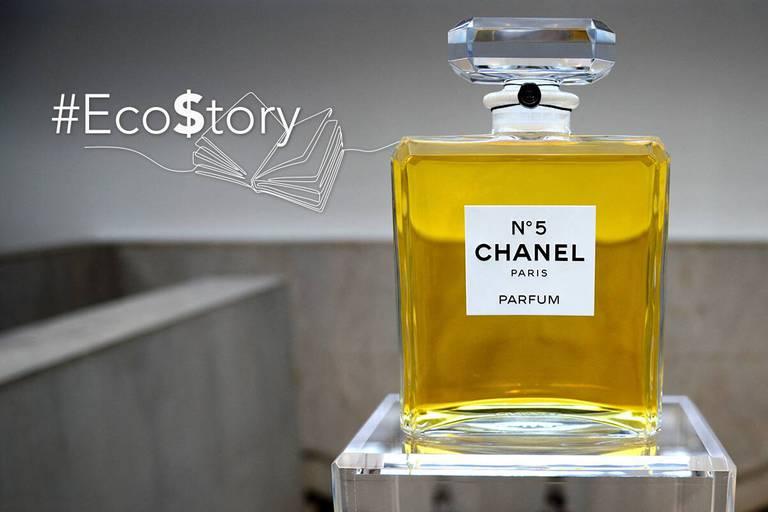 Il s'en vend un flacon toutes les cinq secondes... Quels sont les secrets du mythique N°5 de Chanel ?