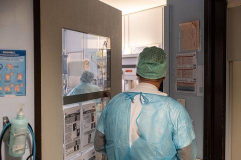 Coronavirus: une soixantaine d'admissions à l'hôpital par jour