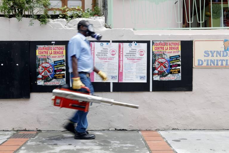 """""""Des taux d'incidence jamais connus en France"""" : la situation aux Antilles est """"extrêmement grave"""""""