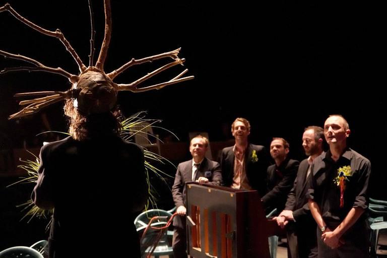 """Le Raoul Collectif vous convie à """"Une cérémonie"""". Mais laquelle ?"""