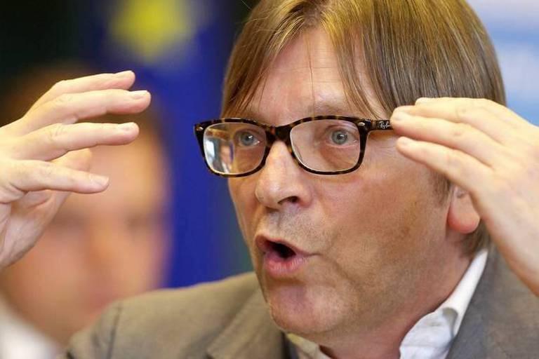 Guy Verhofstadt tente d'exister... et de combler son très gros retard médiatique