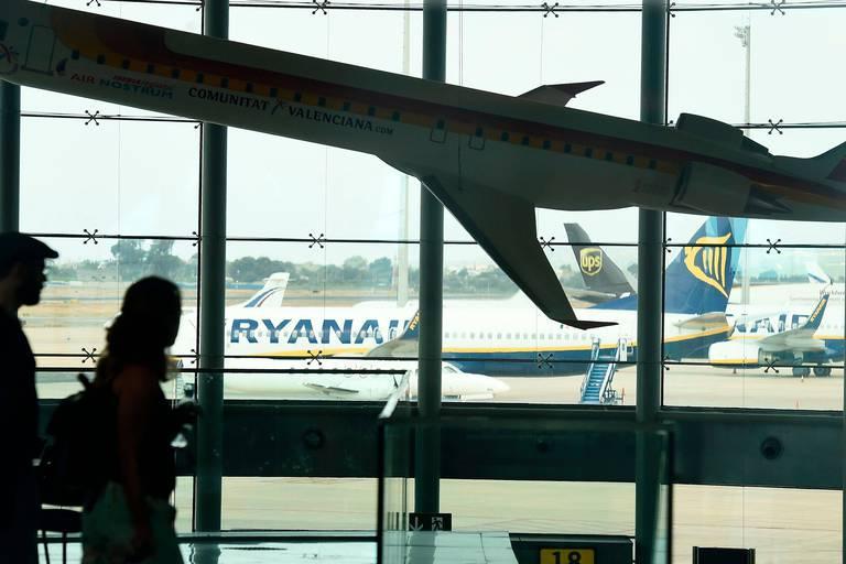 Ryanair propose une médiation au 4e jour de grève des pilotes irlandais