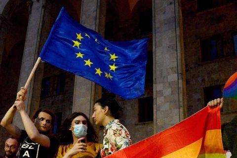 Droits des LGBT+: l'UE lance des procédures contre la Hongrie et la Pologne