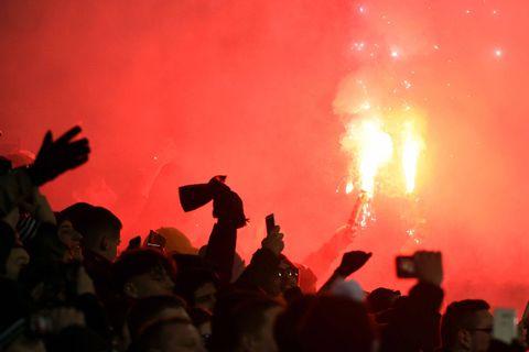 """Des supporters révoltés par le durcissement des sanctions en matière d'objets pyrotechniques: """"Comme si notre voix ne comptait pas"""""""