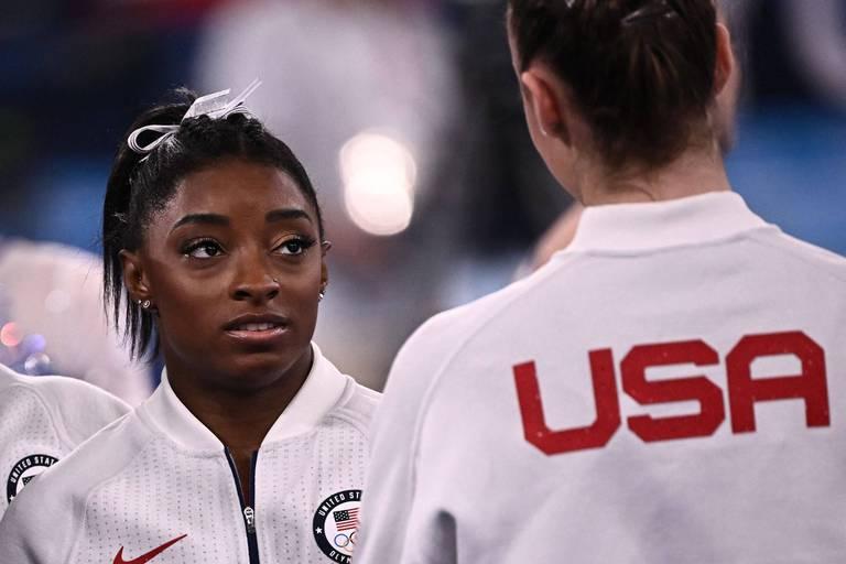 Gymnastique: Simone Biles déclare forfait pour le concours général et est incertaine pour la suite des JO