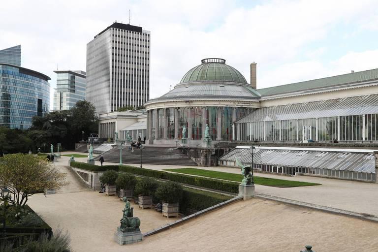 Un homme s'est empalé sur les grilles du Jardin Botanique à Bruxelles
