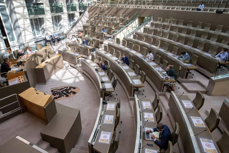 Coronavirus : le parlement flamand augmente le nombre de députés présents en plénière