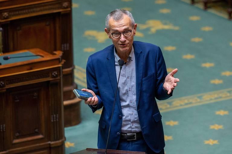 Frank Vandenbroucke veut des contrôles aléatoires aux frontières et un suivi plus strict des voyageurs au retour de zones rouges