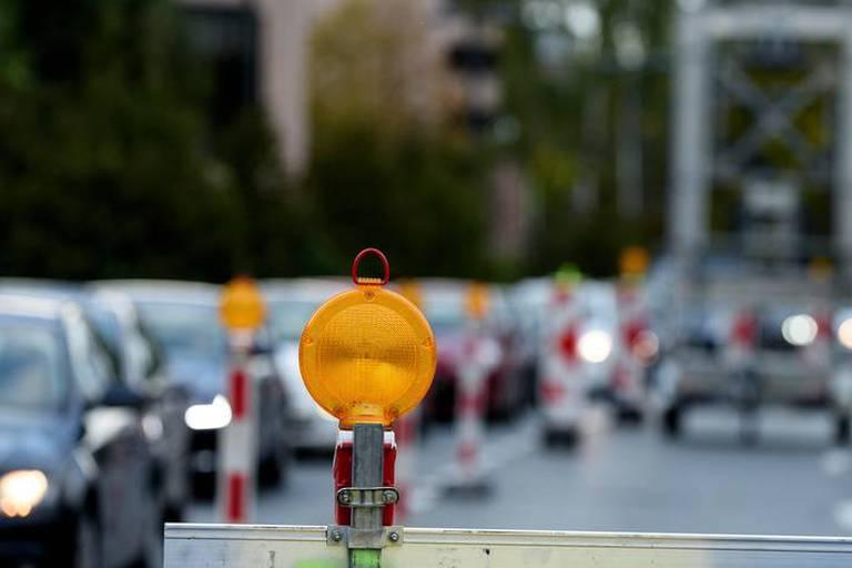 Chaos à l'entrée de Bruxelles: Le viaduc Hermann-Debroux ne rouvrira pas jeudi
