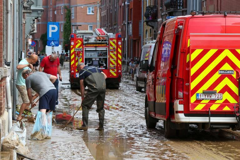 Après les inondations, Namur pompe, nettoie et se prépare aux nouvelles pluies annoncées