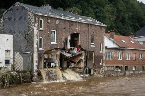 """Après le déluge, des milliers de vies à reconstruire : """"De la tristesse, de la colère et de la résignation"""""""