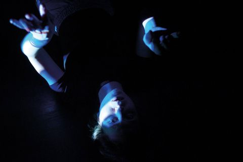 """""""52 Hertz"""" de Nora Noulanger Hirsch et Isée Rocaboy: une des étapes de travail présentées sur foi de la rencontre avec les artistes, d'une """"thématique étonnante"""" – les baleines et le sentiment de communauté –, d'un """"point de départ passionnant"""", développe Jean-Louis Colinet. """"Je veux encourager le public à découvrir un univers et sa sensibilité."""""""