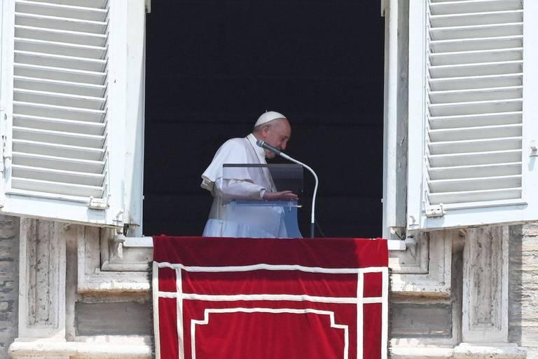 Le pape François, 84 ans, opéré en Italie