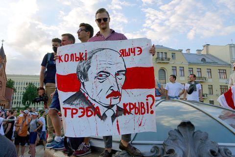 Edito : En Biélorussie, l'escalade sans fin