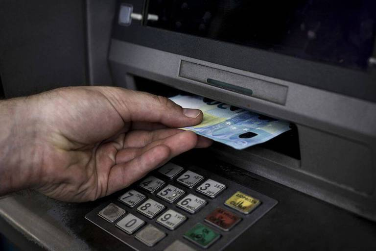Digitalisation des banques: dehors les seniors?
